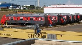Geležinkeliui skirti transportavimo vagonėliai kranams